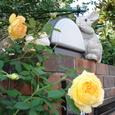 門柱のウサギ